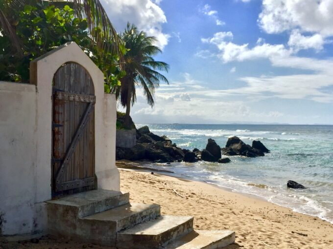 Los Cocos – Coveted Beach Frontage