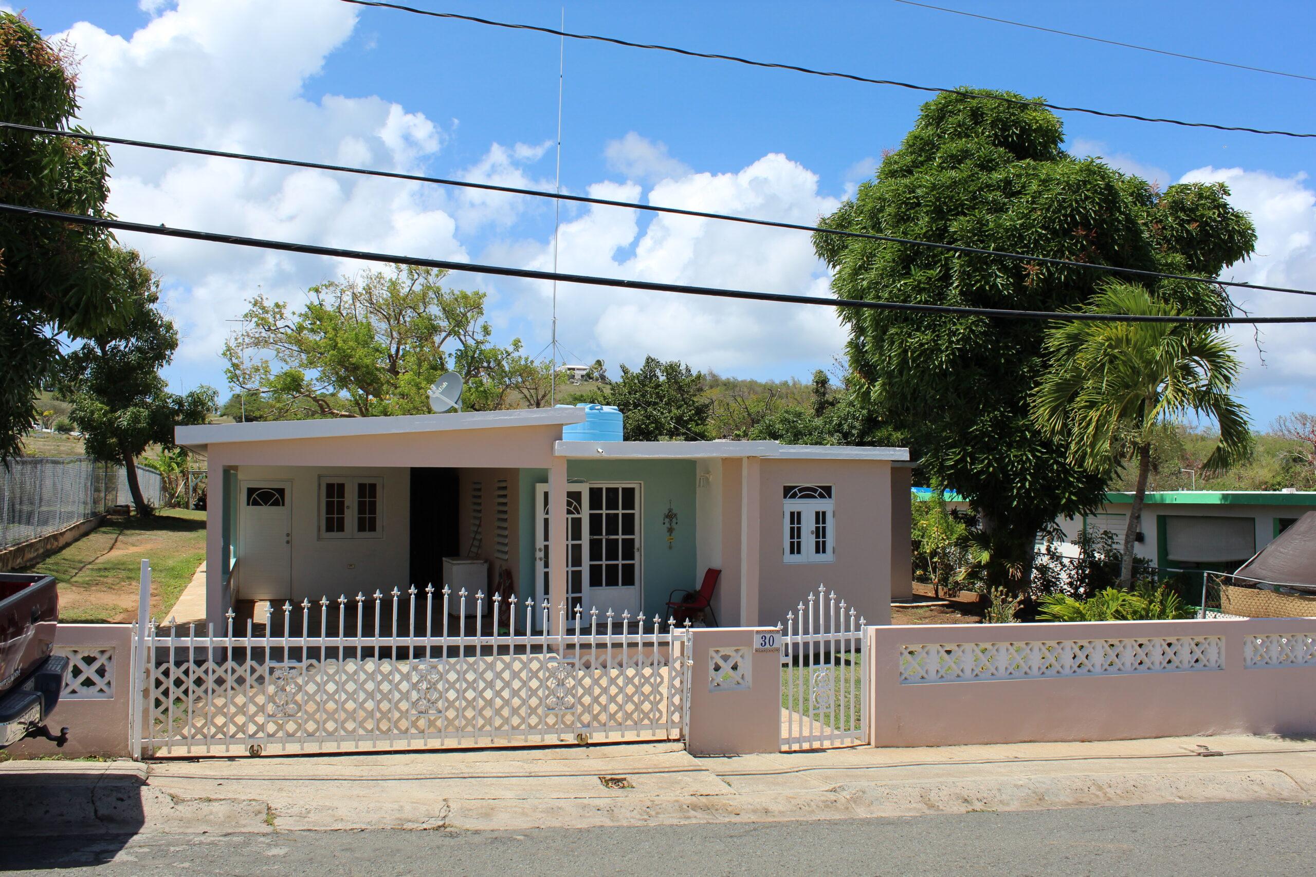 Casa Luna – Beachside Neighborhood Esperanza