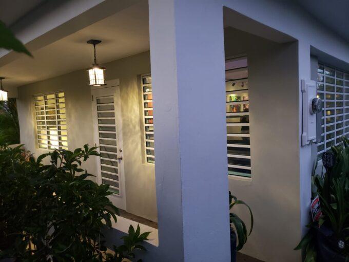 Zen Beach House – 50 steps to La Chata beach